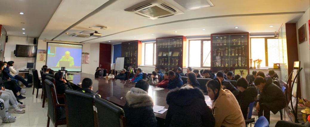 体育学院组织全体新生集中学习胡振华教授讲座